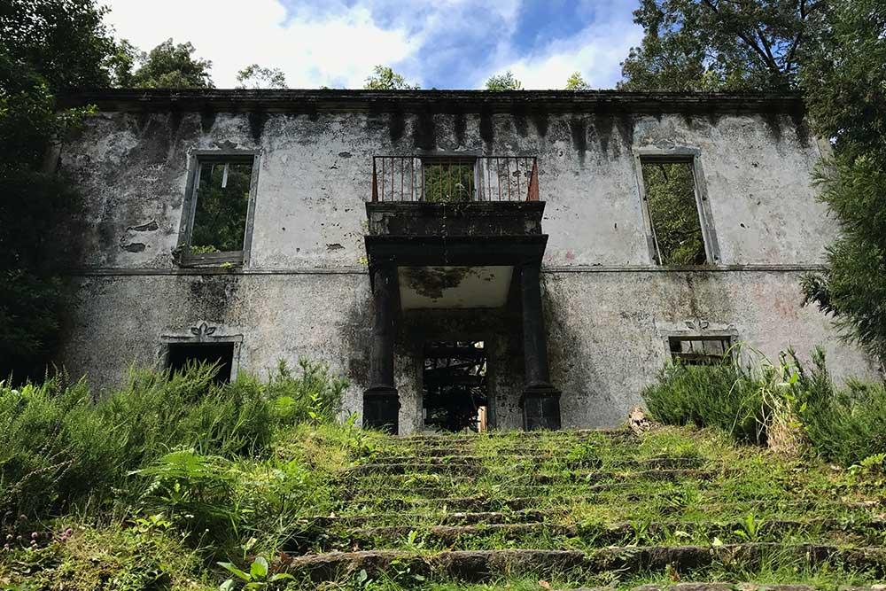 Ruins of the property of Grená - São Miguel - Azores