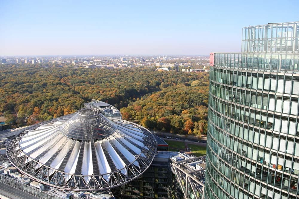Panoramapunkt's view on the Tiergarten garden