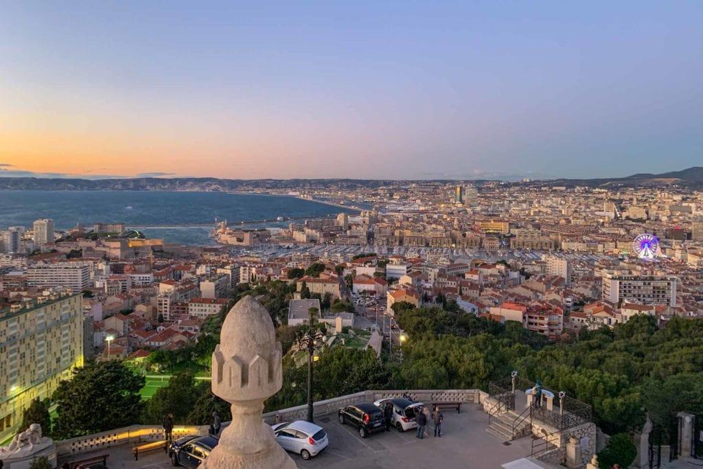 Vue du parvis de Notre-Dame de la Garde - Marseille